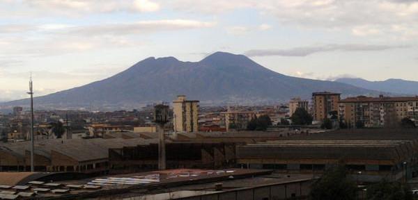 Vesuvio-da-Scampia.jpg