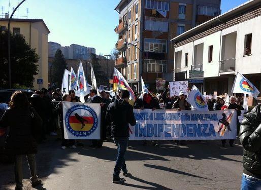Potenza,-manifestazione-contro-lo-sfruttamento-petrolifero..jpg